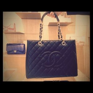CHANEL Caviar Quilted Grand Shopping Tote GST Blk